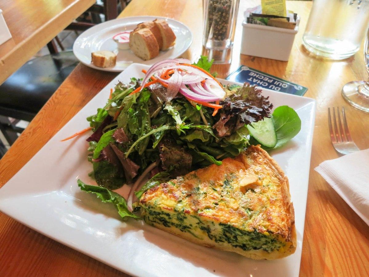Cafe salade de fruits the food queen vancouver food for Cuisine queen