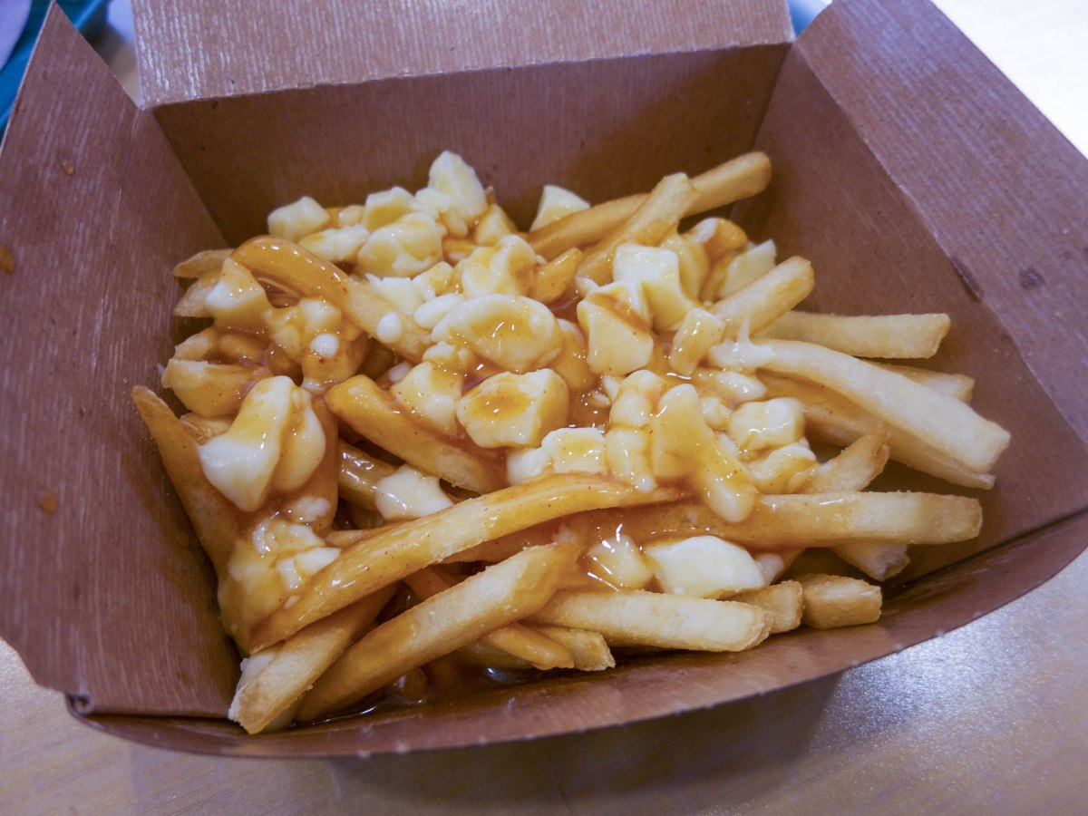 Mcdonald s poutine the food queen vancouver food reviews for Cuisine queen